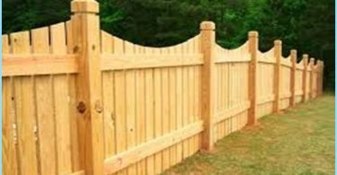 How to paint a wooden fence with his hands